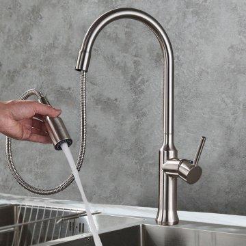 Hoge keukenkraan geborsteld nikkel uittrekbare 2-Functieschakelaar draaibare uitloop