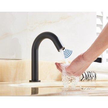 Automatische Infrarood Sensor Wastafel kraan Touchless Warm en Koud Water