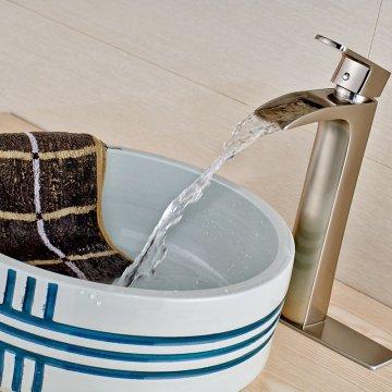 Waterval uitloop borstel nikkel wastafel kraan