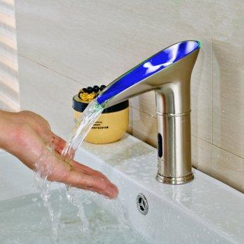 Moderne sensor LED kleur wastafel kraan koud water