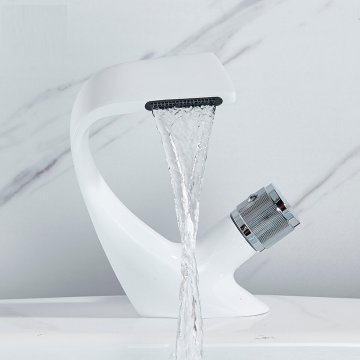 Moderne Luxe Design Witte Wastafel Mengkraan Creatieve Waterval Kraan