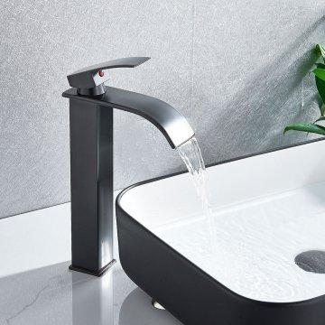 Verhoogde Zwarte Design Wastafelkraan Waterval Uitloop